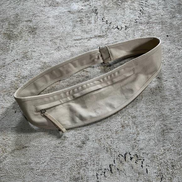 Banana Republic Handbags - Banana Republic Khaki Belt Pouch